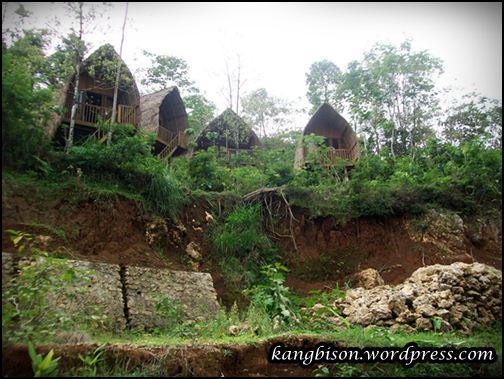 Rumah penginapan di Gua Seplawan Purworejo
